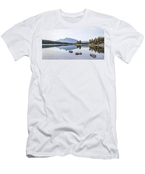 Land Of Thousand Lakes Men's T-Shirt (Athletic Fit)