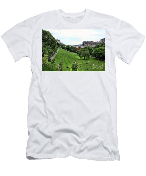 Landscape Edinburgh  Men's T-Shirt (Athletic Fit)