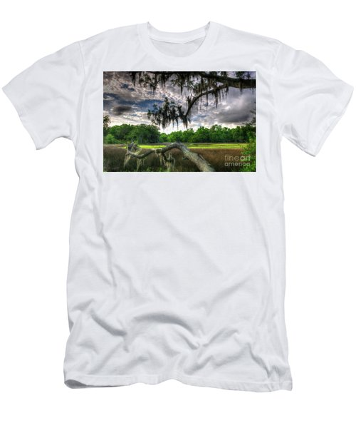 Live Oak Marsh View Men's T-Shirt (Athletic Fit)