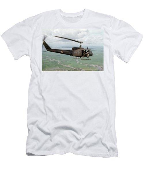 Longknife 26 Men's T-Shirt (Athletic Fit)