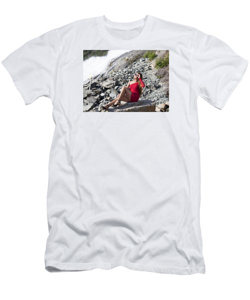 Looking At The Sun Men's T-Shirt (Athletic Fit)