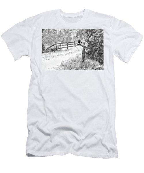 Mailbox Snow Men's T-Shirt (Athletic Fit)