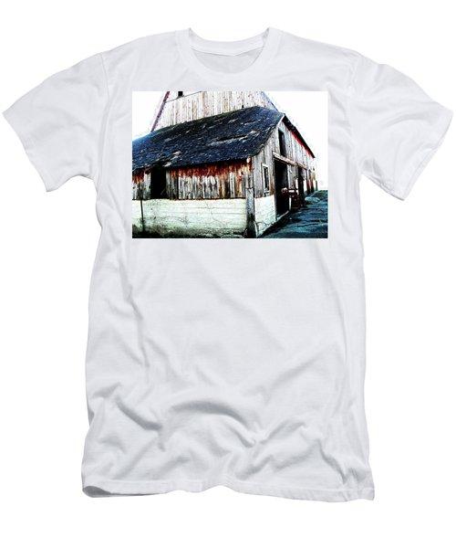 Mallard Barn Men's T-Shirt (Athletic Fit)