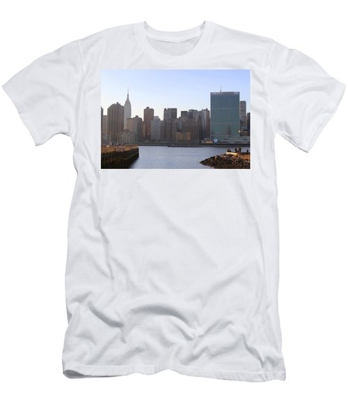 Manhattan Skyline - The View From Gantry Plaza State Park Men's T-Shirt (Athletic Fit)