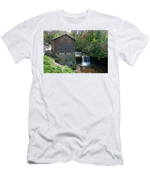 Mill Men's T-Shirt (Athletic Fit)