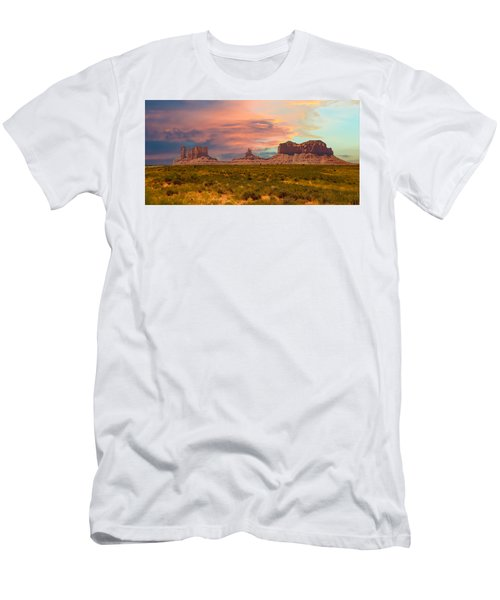 Monument Valley Landscape Vista Men's T-Shirt (Athletic Fit)