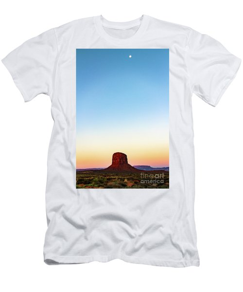 Monument Valley Morning Glory Men's T-Shirt (Athletic Fit)