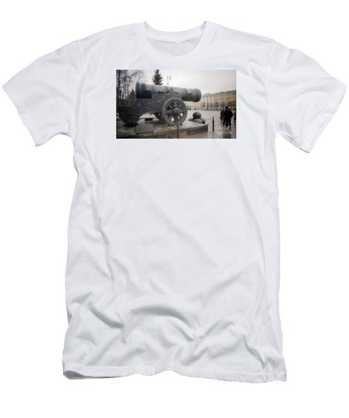 Moscow Cannon Relic Men's T-Shirt (Slim Fit) by Ted Pollard