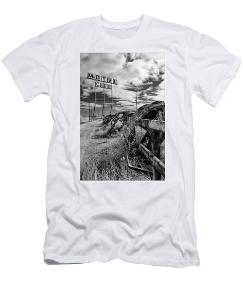 Motel Cafe Northern Texas  Men's T-Shirt (Athletic Fit)