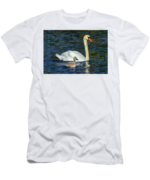 Mute Swan, Cygnus Olor, Mother And Baby Men's T-Shirt (Athletic Fit)