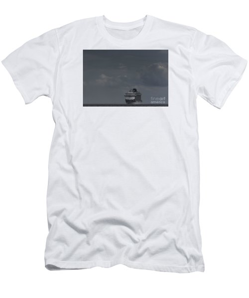Mv Britannia Men's T-Shirt (Athletic Fit)