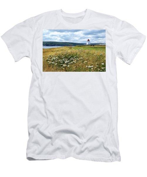Neil's Harbor Lighthouse Men's T-Shirt (Athletic Fit)