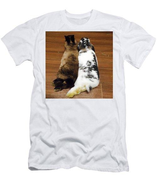 Neruusa Men's T-Shirt (Athletic Fit)