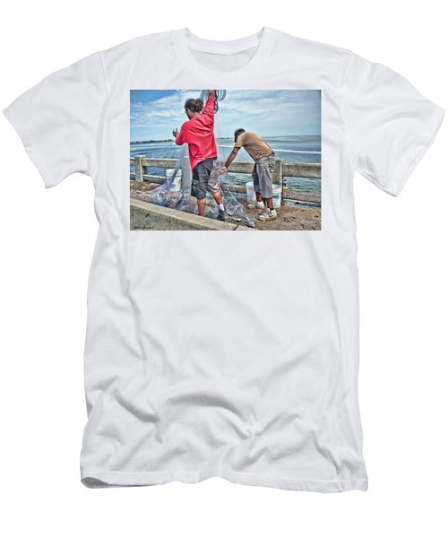 Net Fishing On Cortez Bridge  Men's T-Shirt (Athletic Fit)