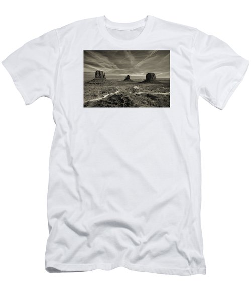 Monument Valley 9 Men's T-Shirt (Athletic Fit)
