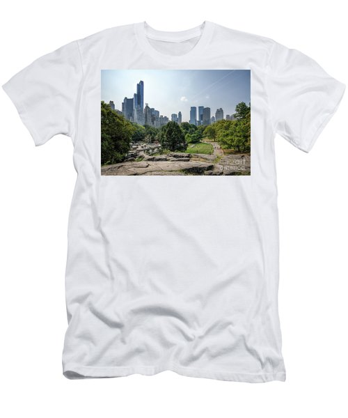 New York Central Park With Skyline Men's T-Shirt (Athletic Fit)