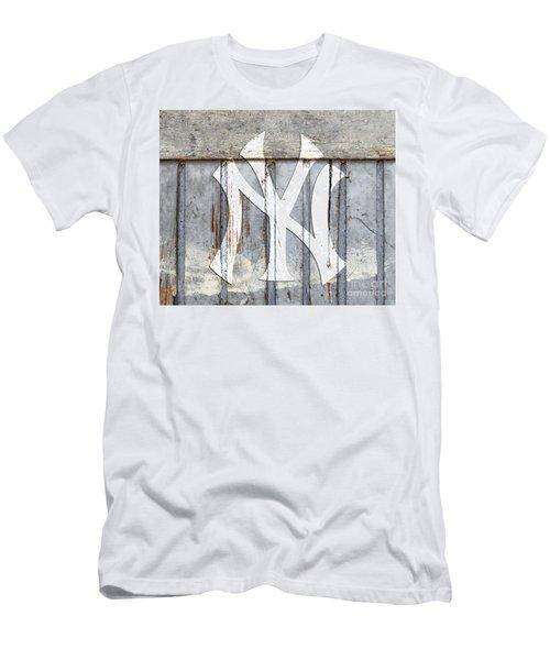 New York Yankees Rustic 2 Men's T-Shirt (Athletic Fit)