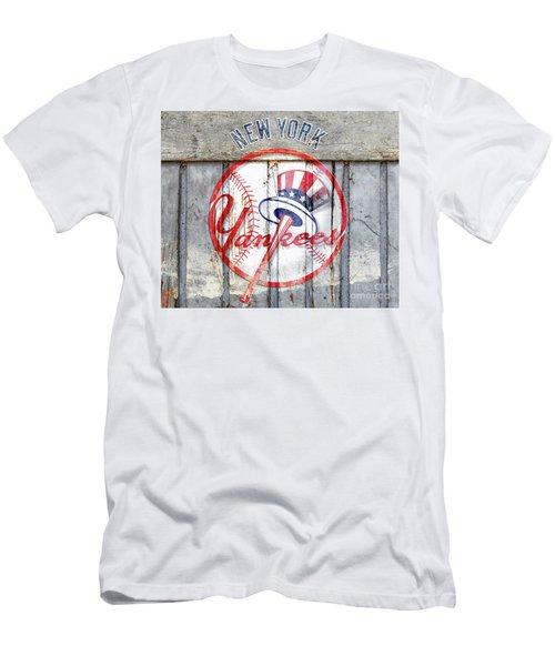 New York Yankees Top Hat Rustic Men's T-Shirt (Athletic Fit)
