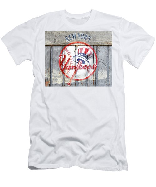 New York Yankees Top Hat Rustic Men's T-Shirt (Athletic Fit)