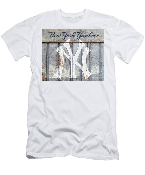New York Yankees Rustic Men's T-Shirt (Athletic Fit)