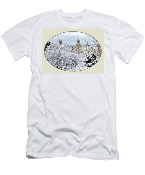 northeast USA photography button Men's T-Shirt (Slim Fit) by Lise Winne