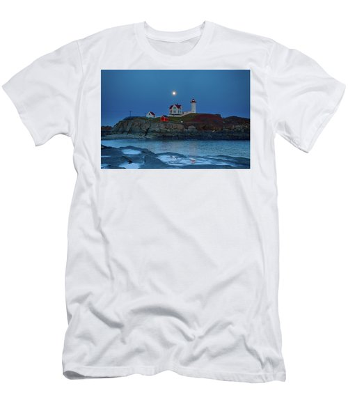 Men's T-Shirt (Athletic Fit) featuring the photograph Nubble Lighthouse Lit For Christmas by Jeff Folger