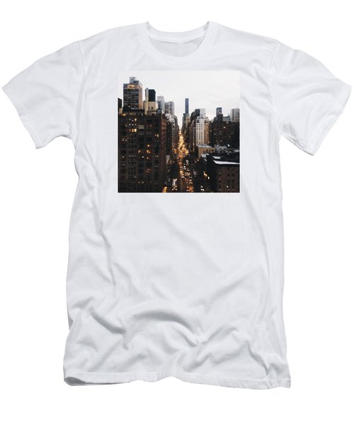Nyc View Men's T-Shirt (Athletic Fit)