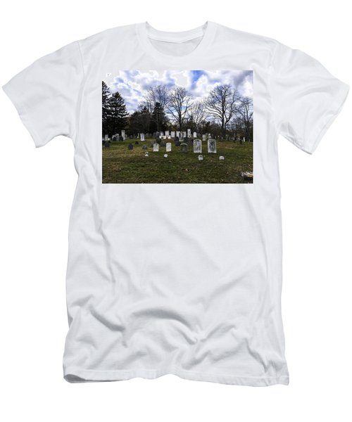 Old Town Cemetery Sandwich, Massachusetts Men's T-Shirt (Athletic Fit)