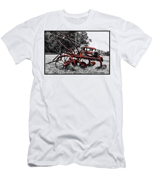 Old And  Rusty Men's T-Shirt (Athletic Fit)