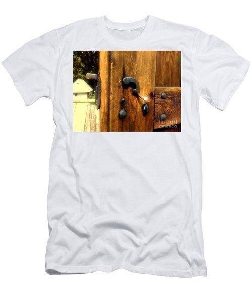 Old Door Handle Men's T-Shirt (Athletic Fit)