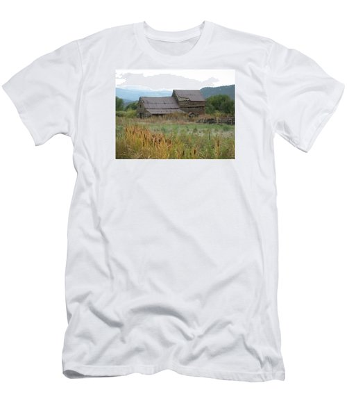 Old Farmhouse Men's T-Shirt (Athletic Fit)
