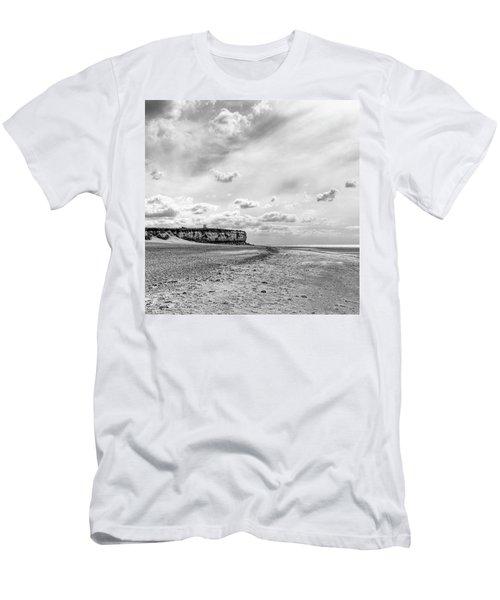 Old Hunstanton Beach, Norfolk Men's T-Shirt (Athletic Fit)