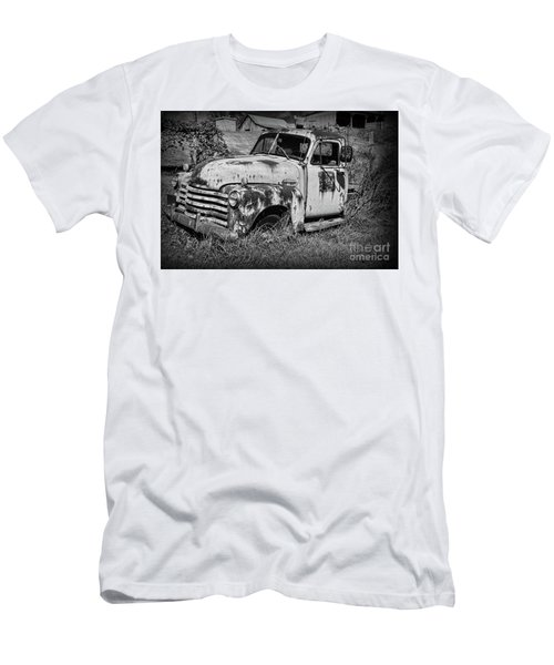Old Rusty Chevy In Black And White Men's T-Shirt (Slim Fit) by Paul Ward