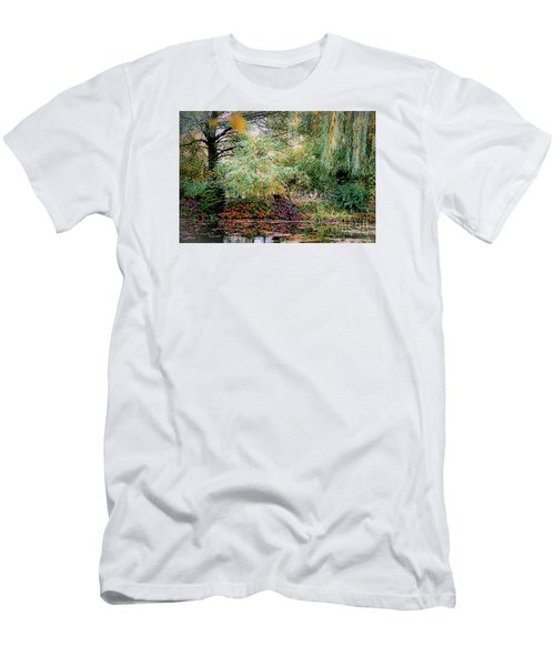 Reflection On, Oscar - Claude Monet's Garden Pond Men's T-Shirt (Athletic Fit)