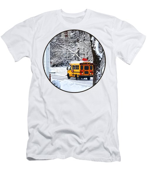On The Way To School In Winter Men's T-Shirt (Slim Fit)