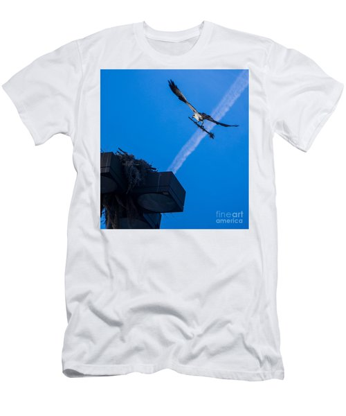 Osprey Carrying Stick To Nest Men's T-Shirt (Athletic Fit)