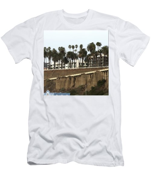 Palm Trees And Apartments Men's T-Shirt (Athletic Fit)