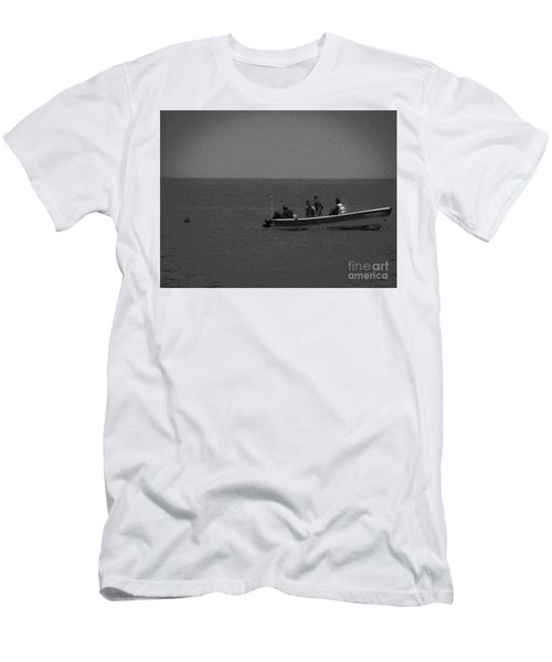 Pelican And The Fishing Boat Men's T-Shirt (Athletic Fit)