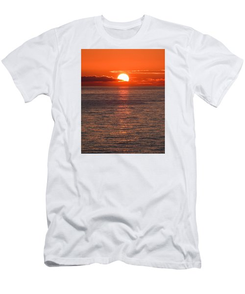 Perfect Men's T-Shirt (Slim Fit) by Don Mennig