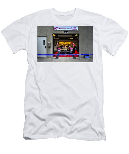 Pippa Mann Garage 2016 Men's T-Shirt (Athletic Fit)