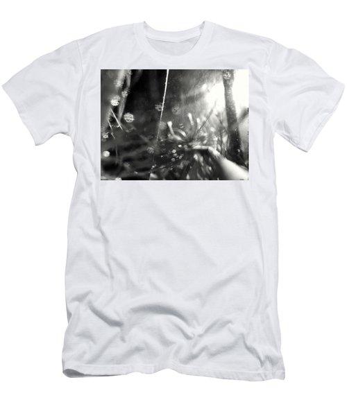 Pirateship Wreck Men's T-Shirt (Athletic Fit)