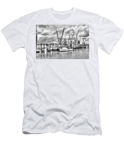Port Royal Docks Men's T-Shirt (Athletic Fit)