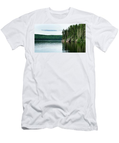 Red Lake Ontario Men's T-Shirt (Athletic Fit)