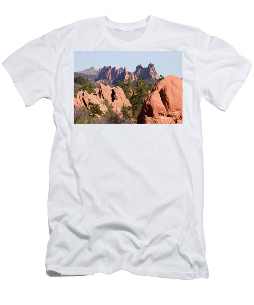 Red Rock Canyon Open Space Park And Garden Of The Gods Men's T-Shirt (Athletic Fit)