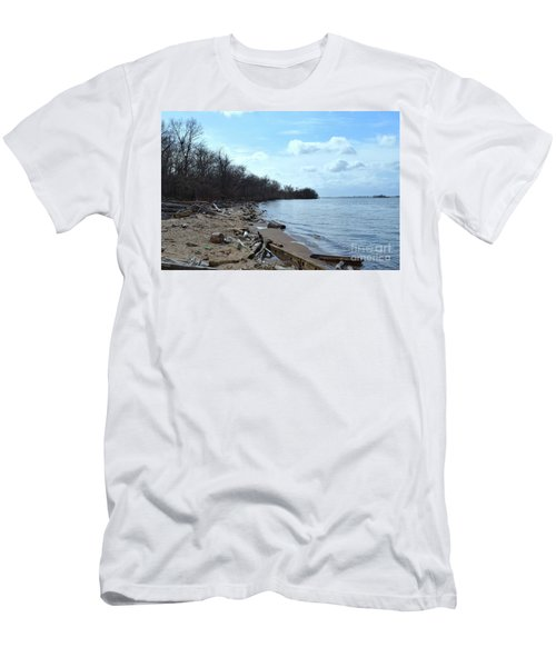 Delaware River Shoreline Men's T-Shirt (Athletic Fit)