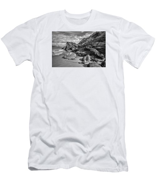 Rocky China Beach San Francisco Men's T-Shirt (Athletic Fit)