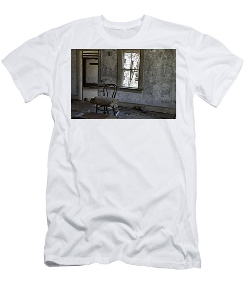 Room Of Memories  Men's T-Shirt (Slim Fit) by Betty Pauwels