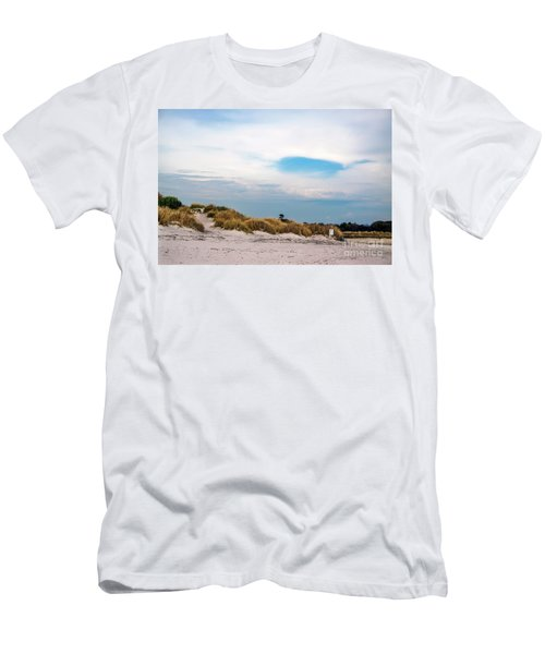 Rosignano Beach Men's T-Shirt (Athletic Fit)