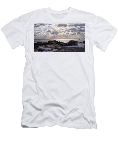 Rye In Winter Men's T-Shirt (Athletic Fit)