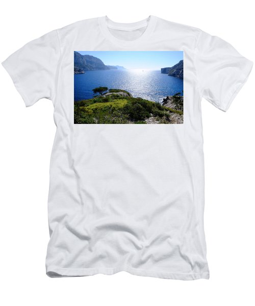 Sailing In The Vastness Men's T-Shirt (Athletic Fit)